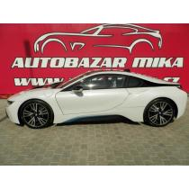 BMW i8 KRISTALLWEISS,ZÁRUKA DO 4/2019